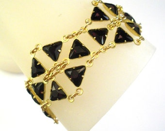 Geometric Diva Bracelet in Garnet Red Swarovski Crystal