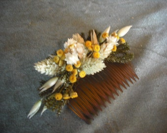 Dried flower hair comb made with Wheat, Tansy and Oats.  For your fall wedding.
