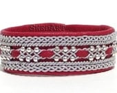 SwedArt B118 Frost  Leather Bracelet in Martha Stewart Living w Sterling Silver Beads and Pewter Button, Red MEDIUM