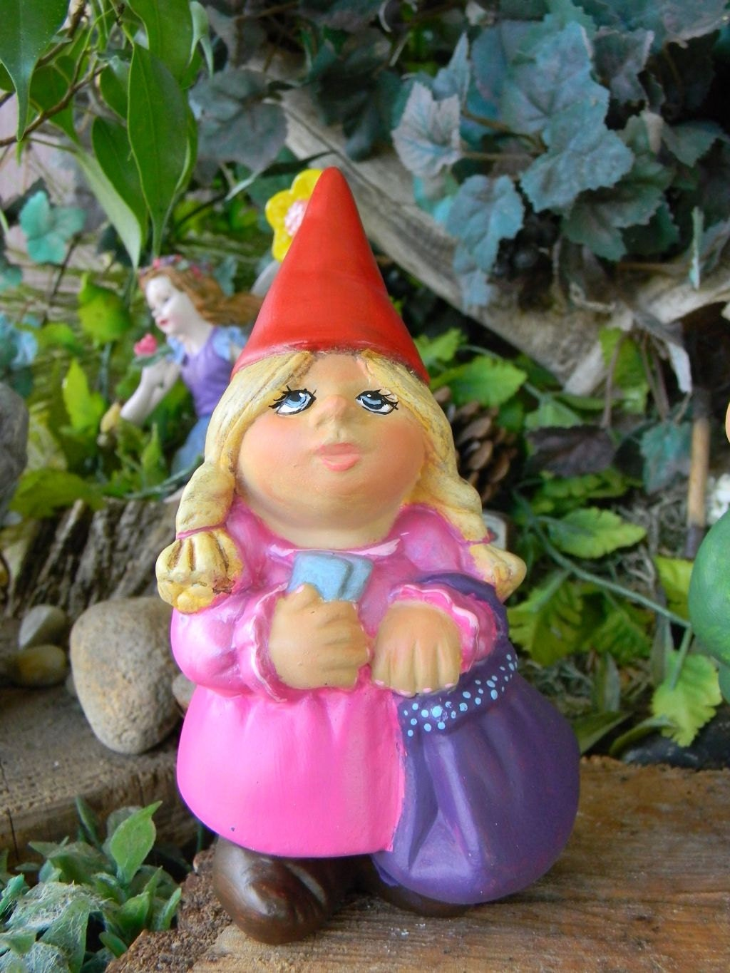 Gnome Garden: Garden Gnome Lady Female Woman Traveling By