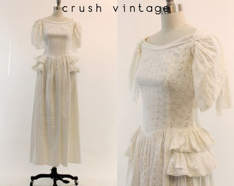 40s Wedding Dress Emma Domb XS / 1940s Vintage Lace Wedding Gown Cotton Eyelet  / Alabaster Bridal Gown