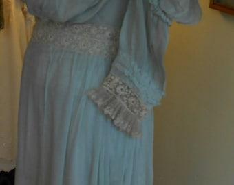 "1905, 32"" bust, light foam green  silk Georgette, pigeon breasted gown."