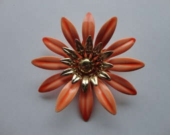 VINTAGE salmon and gold sarah coventry FLOWER BROOCH pin