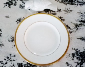 Wedgwood California Bread & Butter Plate Dish Bone China England Gold Edge W4377 Ivory White Dessert Salad Cake Antique Vintage Wedding Gift
