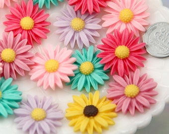 Resin Flower Cabochons - 25mm Antique Style Pastel Daisy Flower Flatback Resin Cabochons - 8 pc set