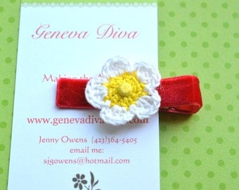 Strawberry Blossom Crochet Flower Hairclip