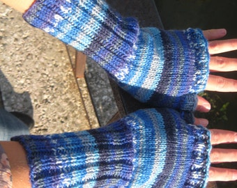 Blue shades - fingerles hand knitted gloves - size M