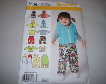 New Simplicity Baby Clothes Pattern, 1566  (Free US Shipping)