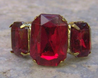 1960s Emerald Shaped Faux RUBY Adjustable Ring NICE