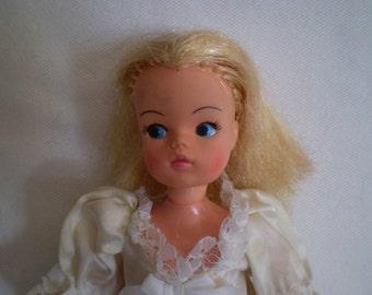 Vintage SINDY Doll MARX TOYS Bridal Gown