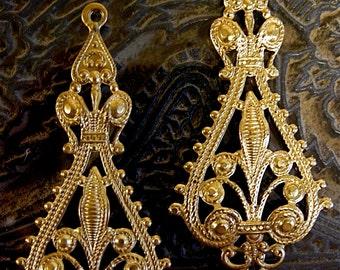 Fleur de Lis Vintage Brass Stampings (2) Large