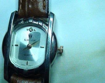 Modernist VINTAGE Watch Ladies Wrist Watch Pretty Diamond Chip and  Leather Band  Working