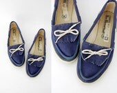 Vintage shoes / navy blue canvas topsider sneakers / fringe loafers / size 36-6