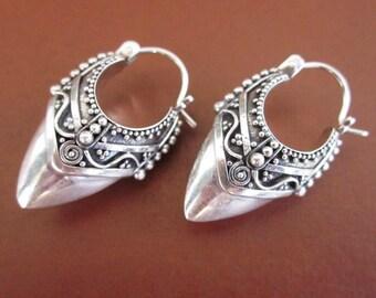 Balinese Sterling Silver Traditional Style Hoop Earrings / silver 925 / Bali Handmade Granulation Jewelry / (#10m)