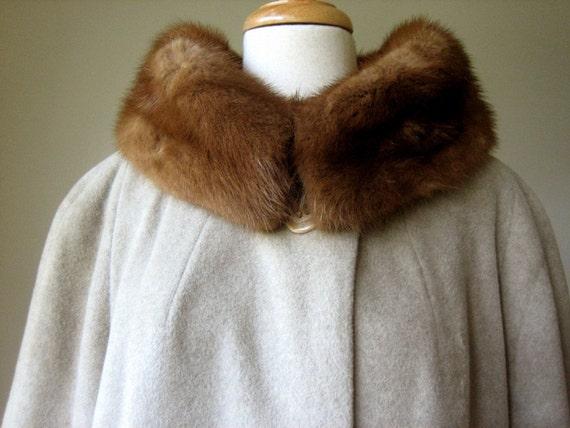 COAT Vintage Antique Swing Era Cashmere Tan Taupe Satin Lined GENUINE FUR Collar Big Buttons