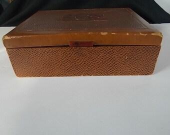 Vintage PM & CO Veni-Vidi- Vici Tobacco Box