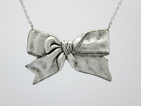 Sweet Sweet Bow Necklace (A055). Vintage Tooled Brass Bowtie Necklace in Silver Finish