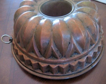 Vintage English Copper Mold   Circa 1940s