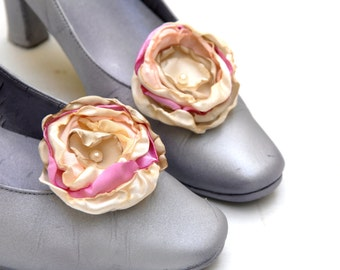 Pink and Cream Shoe Clips Flowers, Bridel Flower Shoe Clips, Flowergirl