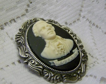 Mozart Cameo Brooch - Classical Composer Portrait Cameo - Wolfgang Amadeus Mozart Pin Pendant - Musical Composer - Music Necklace