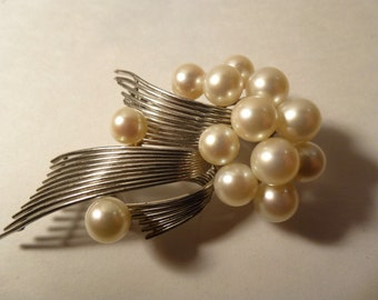 Gorgeous Bubble Pearls and Sterling Silver Dreamy Pendant Brooch. Circa 1970s.