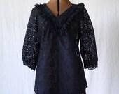 70s Black lace V-neck shirt blouse ruffled sz M/L