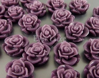 4 purple flowers in resin / cabochon for resin jewelry & arts and crafts 5082-PUR