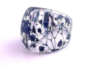 Blue Resin Ring. Pressed Flower Resin Ring.  Cocktail Ring.  Handmade Jewelry with Real Flowers - Blue Baby's Breath