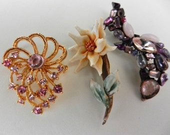 Brooches's Collection - Vtg 1960/1970 - crystal, exquisite porcelain Capodimonte-Lovely mix pins 3 pieces  -art.647-