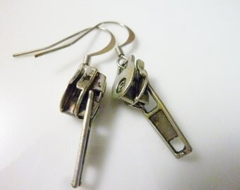 Zip it silver earrings
