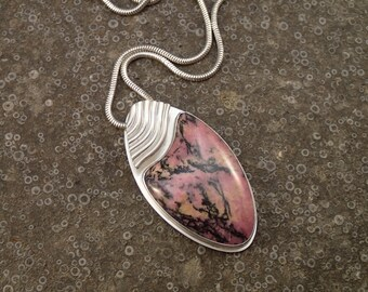 Rhodonite pendant - Finch's Flight necklace