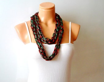 Two colored Finger knit loop scarf, green and burgundy infinity circle scarf, chunky scarf
