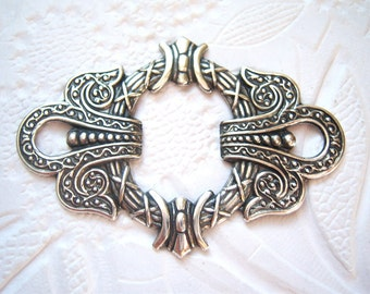 Antiqued  silver plated ornate framework stamping (1) -AC102