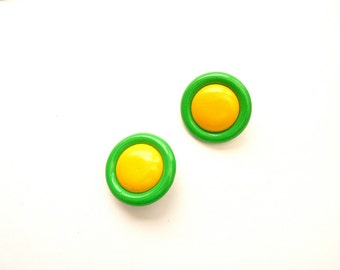 1980s Color Block Earrings Yellow and Apple Green
