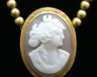 14 Kt Gold Cameo Necklace Antique