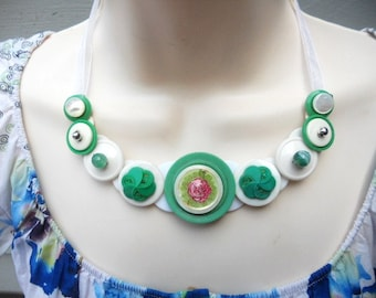 Rambling Rose Button Necklace