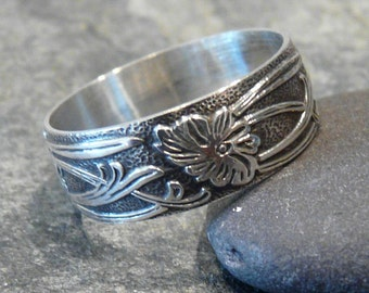 Sterling Silver Contemporary Floral Pattern Band