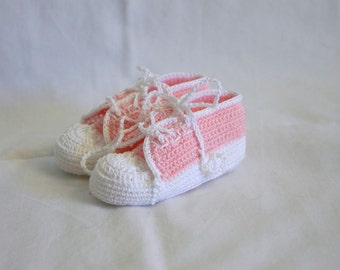 Newborn baby sneakers 0-3 month pink white crochet shower gift girl pastel soft soled booties infant tennis shoes feminine