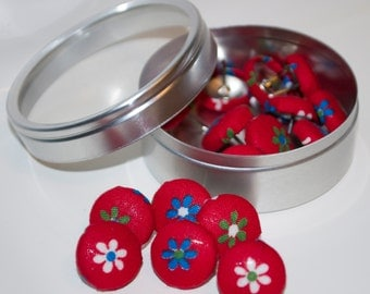 Fabric Push Pins Thumbtacks - Vintage, Floral, Flowers - Set of 16 - Gift Tin Included