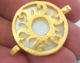 Mother of Pearl Connectors 26mm , Gold Plated Brass Bezel G1616