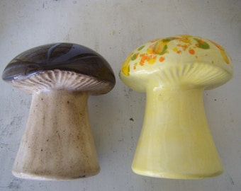 Big Retro Ceramic Mushroom Shakers