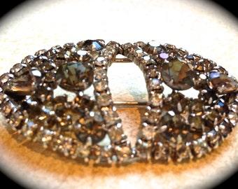 Beautiful gray rhinestone brooch-Vintage Brooch Pin- Antique Jewelry Accessory- Gift ideas Rhinestone Jewelry- Statement Jewelry