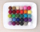 Felt Pom-Poms 2cm // Felt Balls by Benzie