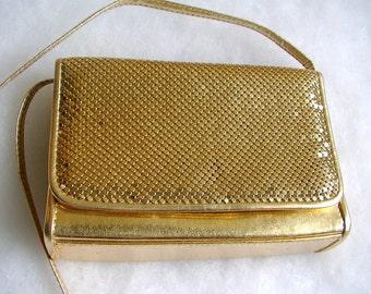 CROSSBODY Holiday / Evening HANDBAG Whiting and Davis gold metal MESH clutch purse vintage 1980s