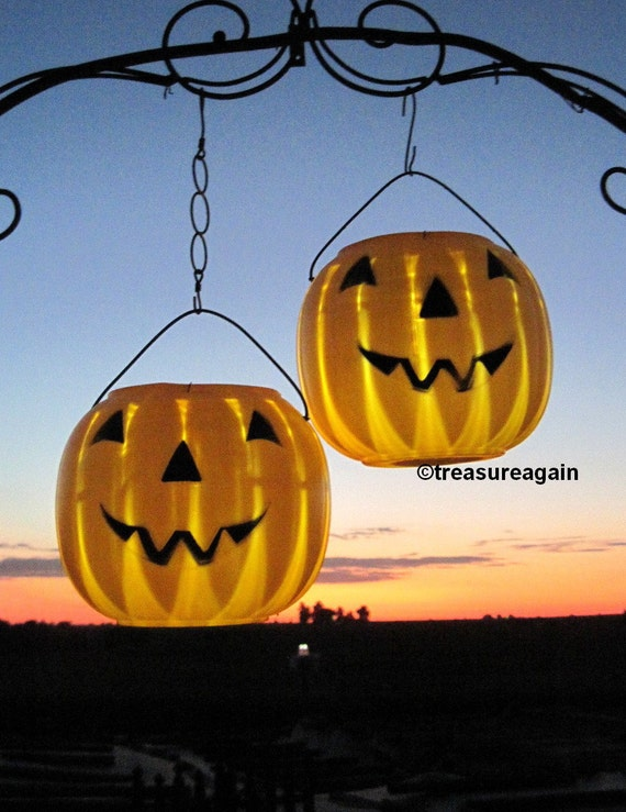 items similar to solar jack o lanterns 2 pumpkin solar lights halloween outdoor decoration. Black Bedroom Furniture Sets. Home Design Ideas