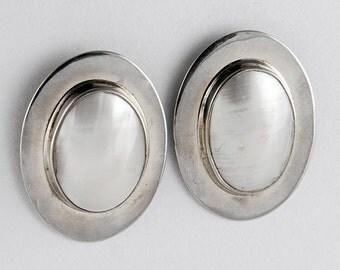 White Shell Armor Earrings