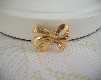 Napier Bow Brooch