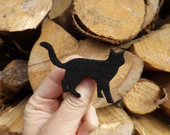 Black Cat Brooch, Halloween Black Cat, Black Cat Jewellery, Black cat badge, Cat brooch, slinky cat, little cat, felt kitten