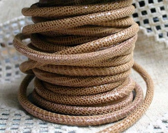1 meter of 5mm Genuine Natural Gecko Printed Stitched Suede Round Leather Cord