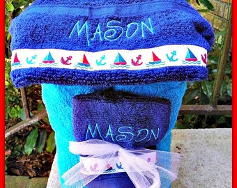 Personalized Hooded Bath Towel and Matching wash cloth  YOUR CHOICE of towel color font and ribbon